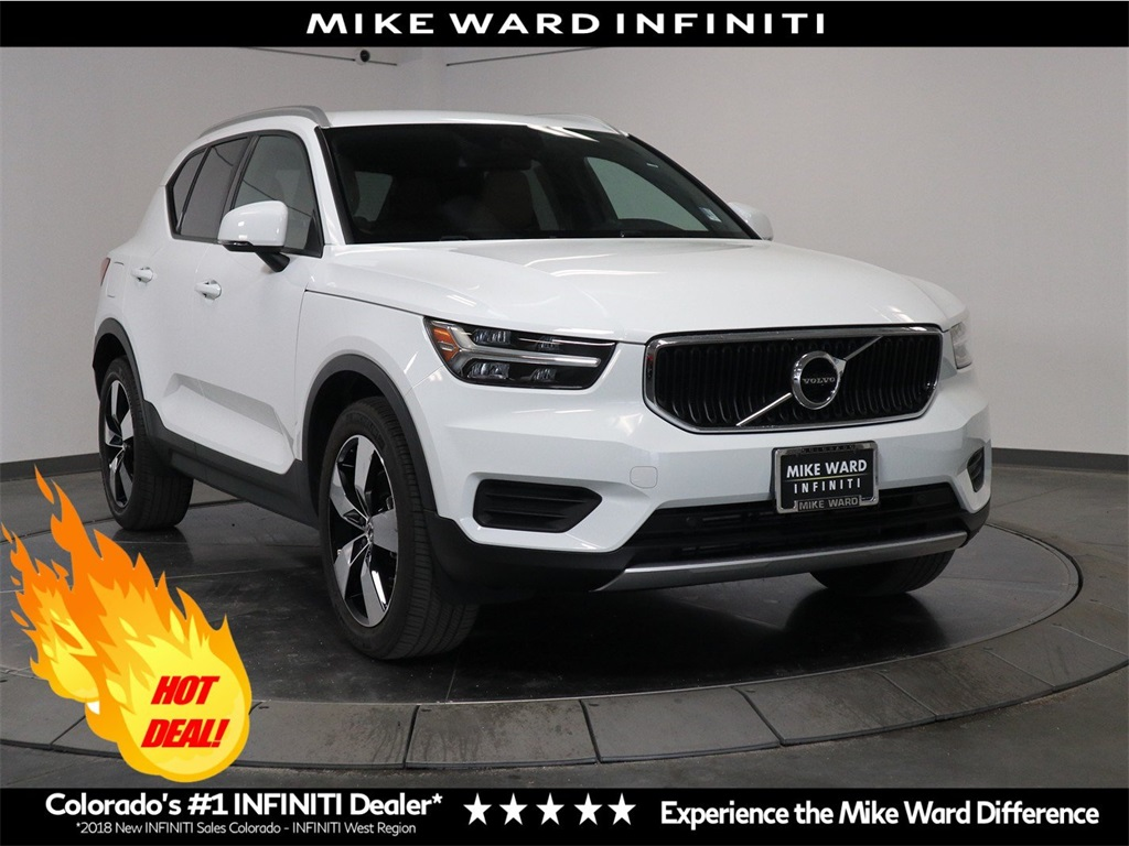 Pre-Owned 2019 Volvo XC40 Momentum